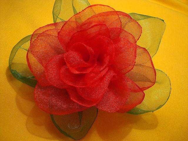 Большие цветы из органзы мастер класс с пошаговым