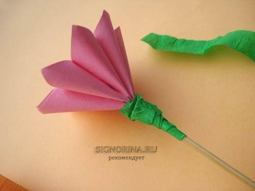 Как сделать цветы на 8 марта из бумаги
