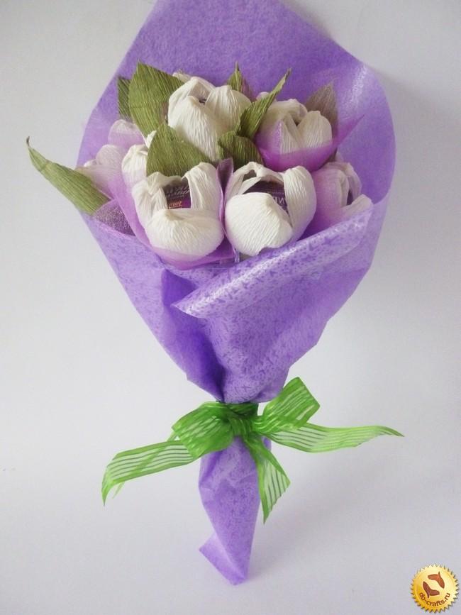Цветы из гофрированной бумаги своими руками букет из конфет