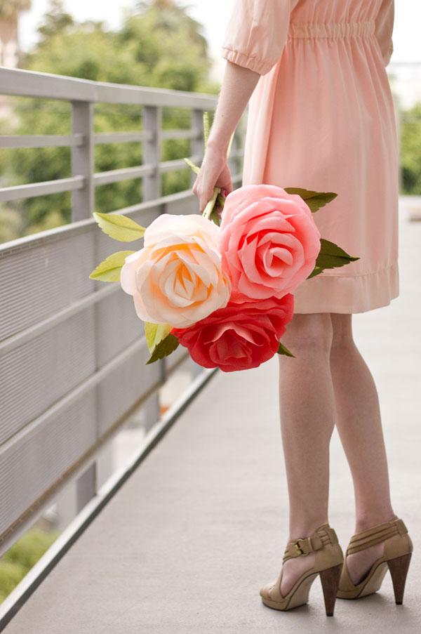 Бумажный цветок роза